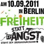 """Logo der Demonstration """"Freiheit statt Angst"""" 2011. Es steht drauf: Am 10.09.2011 in Berlin Freiheit statt Angst. Der Text ist schwarz, nur Freiheit hat ein sattes Gras-Grün. Der I-Punkt bei Freiheit ist eine dunkelgelbe Blume und es fliegen grüne Schmetterlinge. Ganz klein am Rande des Bildes steht: Stoppt den Überwachungswahn."""